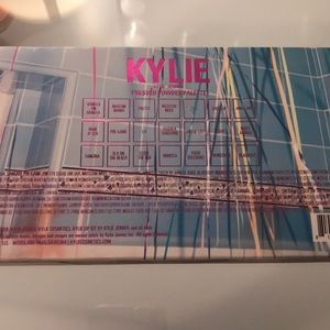 Kylie Cosmetics Makeup - Kylie Cosmetics Sipping Pretty Eyeshadow Palette
